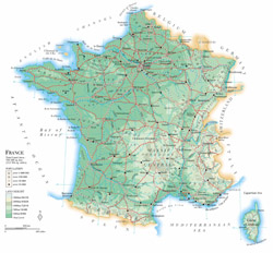 Подробная физическая карта Франции с дорогами и городами.
